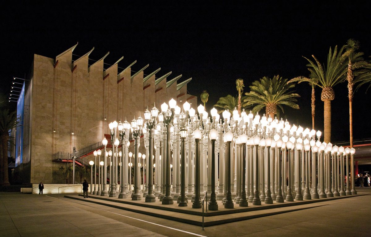 "Chris Burden | Urban Light, 2008, the Gordon Family Foundation's gift to ""Transformation: The LACMA Campaign,"" © Chris Burden, photo © 2014 Museum Associates/LACMA."